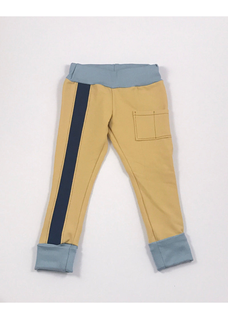 Yellow joggers with two patch pockets and front stripe