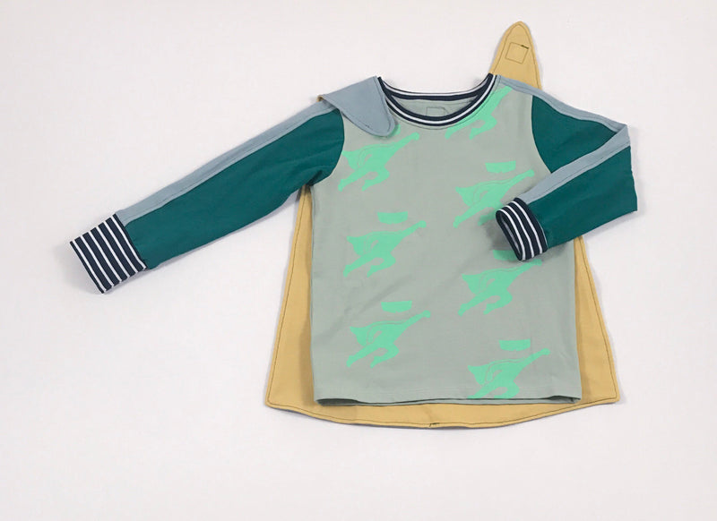 Green long sleeve t-shirt with print and removable cape