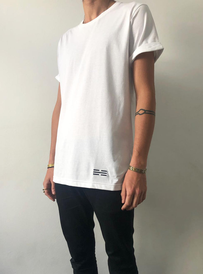 K'an - White folded sleeve t-shirt