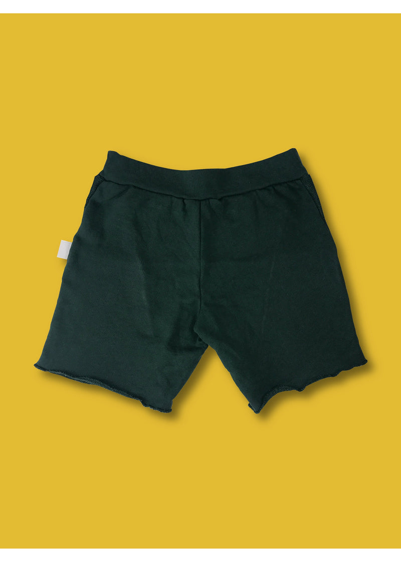 GP shorts with side pockets and overlocked edges