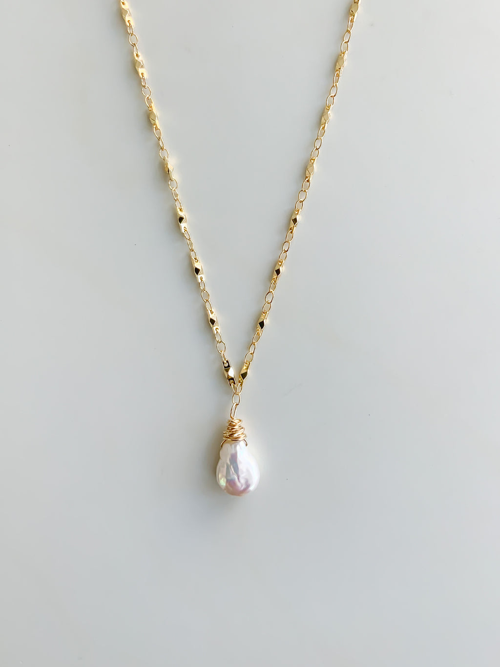Sweet Pearl Drop Necklace