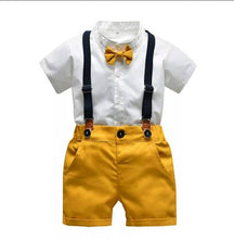 Load image into Gallery viewer, Giraffe Bowtie Shorts Set