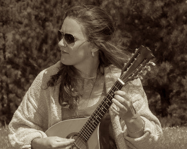 Start cello lessons, guitar lessons, mandolin lessons, ukulele lessons, piano lessons, or vocal lessons with Julia Peterson, Teacher at Twin Town Guitars in Minneapolis.
