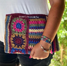 Load image into Gallery viewer, Raffia Crochet Clutch!