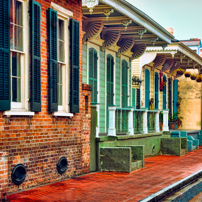 French rustic feel in new orleans on a street of buildings