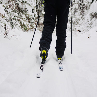 cross country skiing through the Chain o' Lakes State Park