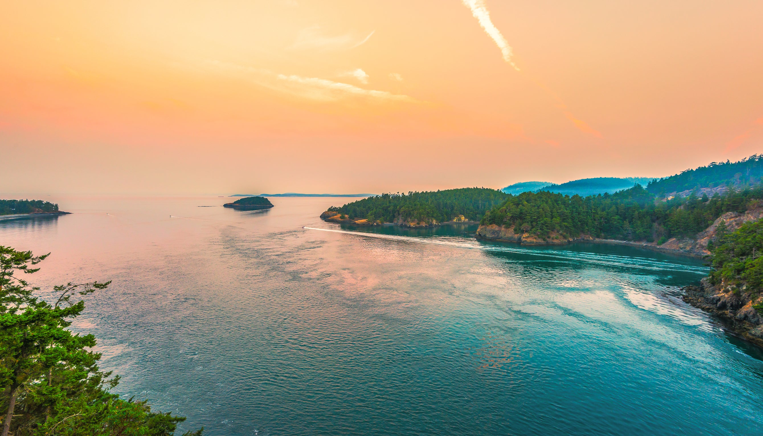 Scenic View of Sunny Morning Deception Pass State Park Washington