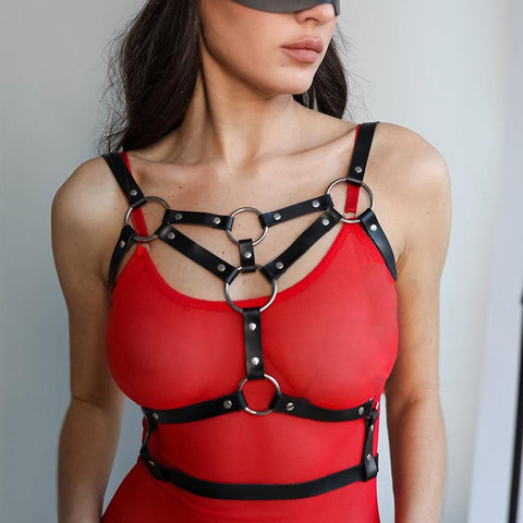 TRIANGLE FAUX LEATHER HARNESS