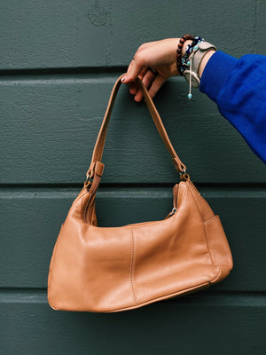 The Perfect Lil Fall Pochette
