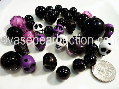 Floating Spooky Skulls, Pumpkins, & Halloween Pearls Vase Fillers. Including Transparent Water Gels