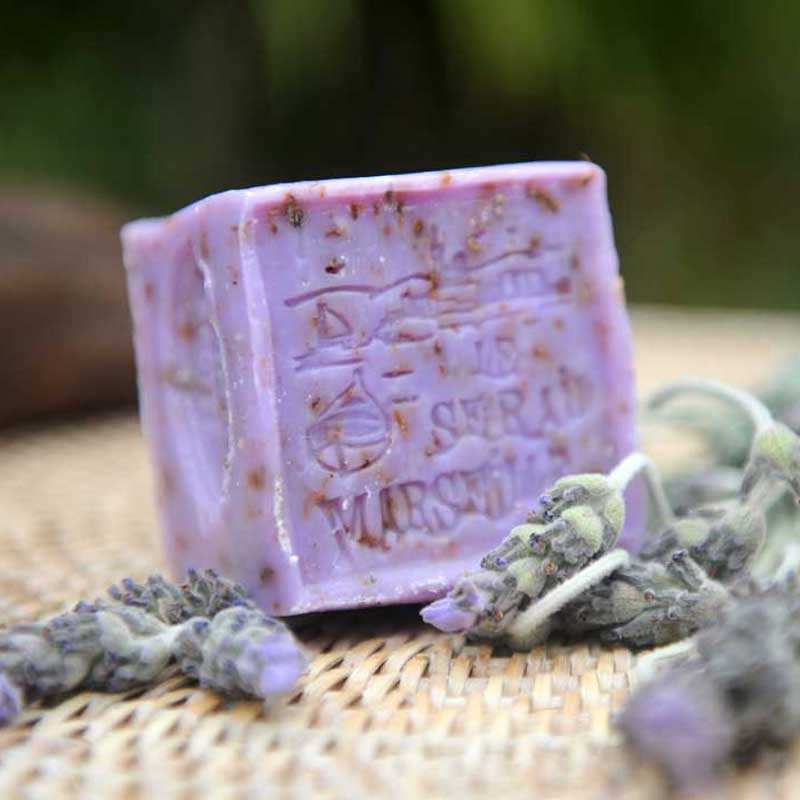 French Bliss sells online French soaps made in France. Our 150g exfoliating scented soaps are perfect to get rid of dead skins and show a radiant new skin. Available in different options: Rose, Lavender and Verbena.