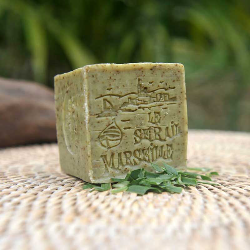 French Bliss is selling French products in Australia. This 150g exfoliating Verbena scented soap is made from Marseille soap flakes. It softens and nurtures the skin naturally.