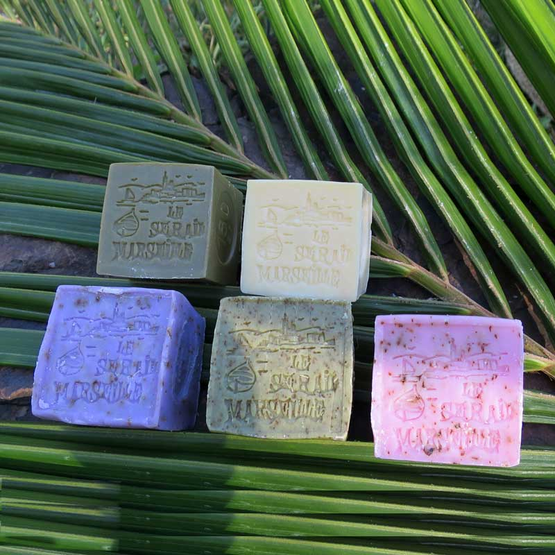 French Bliss is selling French products online. Enjoy the 150g little cube collection. Marseille Soap (savon de Marseille) and exfoliating scented soaps: verbena, lavender and Rose.