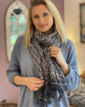 Load image into Gallery viewer, Grey And White Patterned Pure Cotton Scarf - LavenderLime