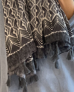 Grey And White Patterned Pure Cotton Scarf - LavenderLime