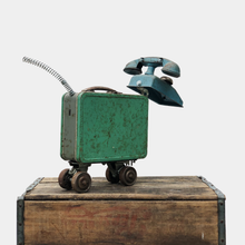 Load image into Gallery viewer, Green Mutt Sculpture