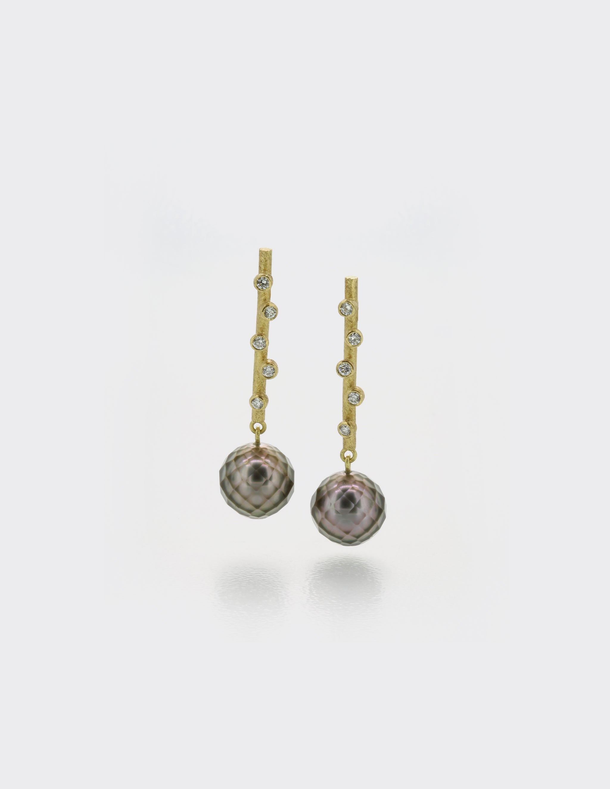 Bud ear studs with pearls and diamonds