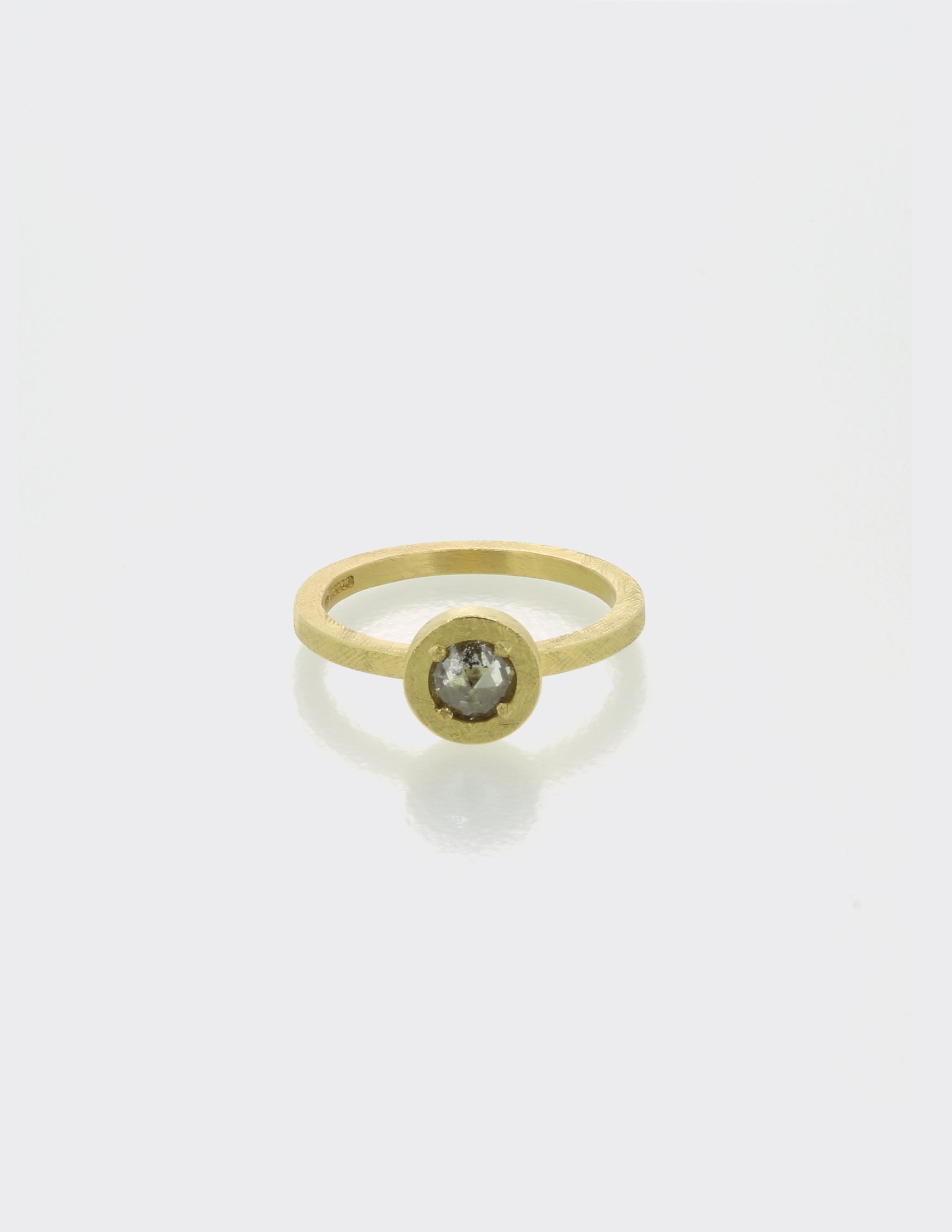 Rim ring with brown diamond