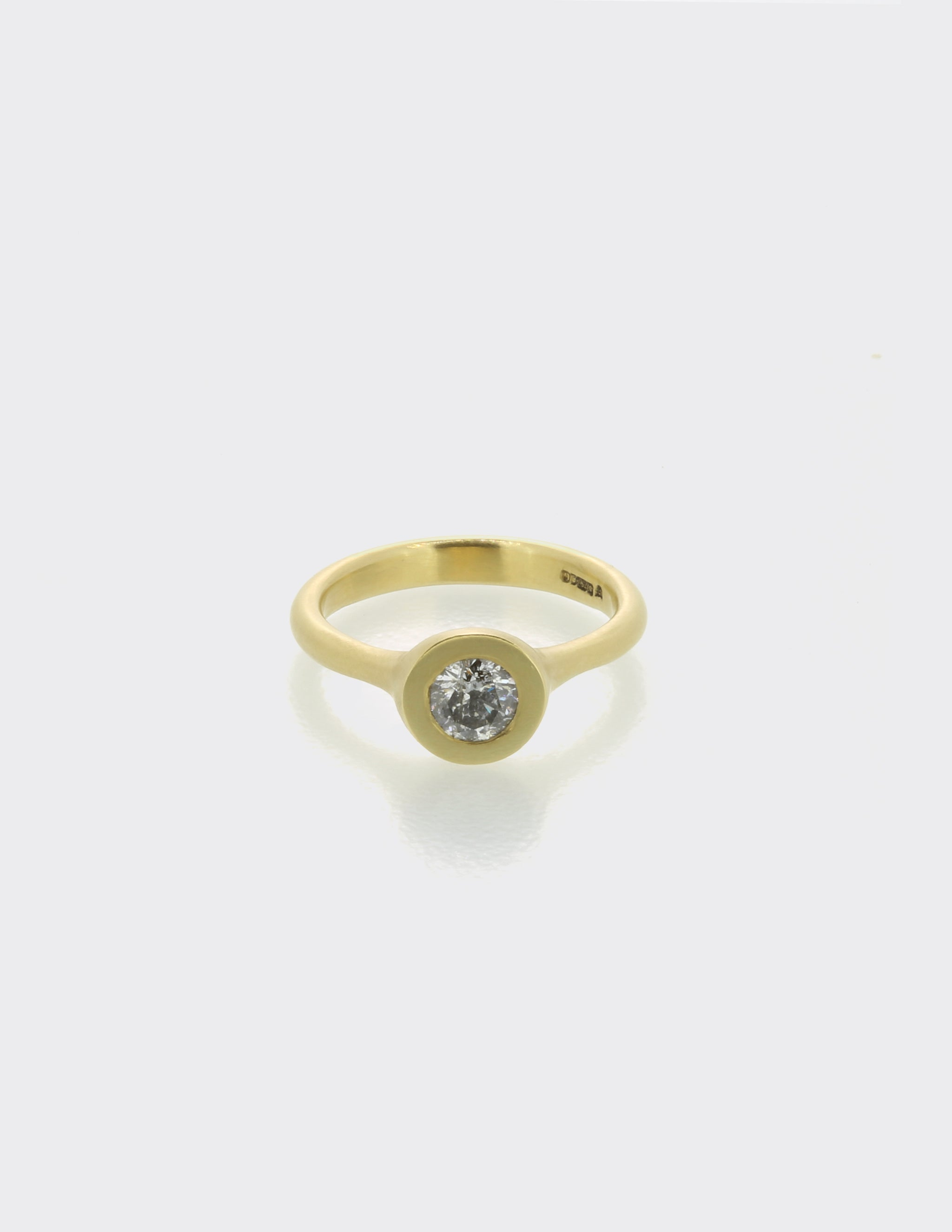 Sfere ring with salt and pepper diamond
