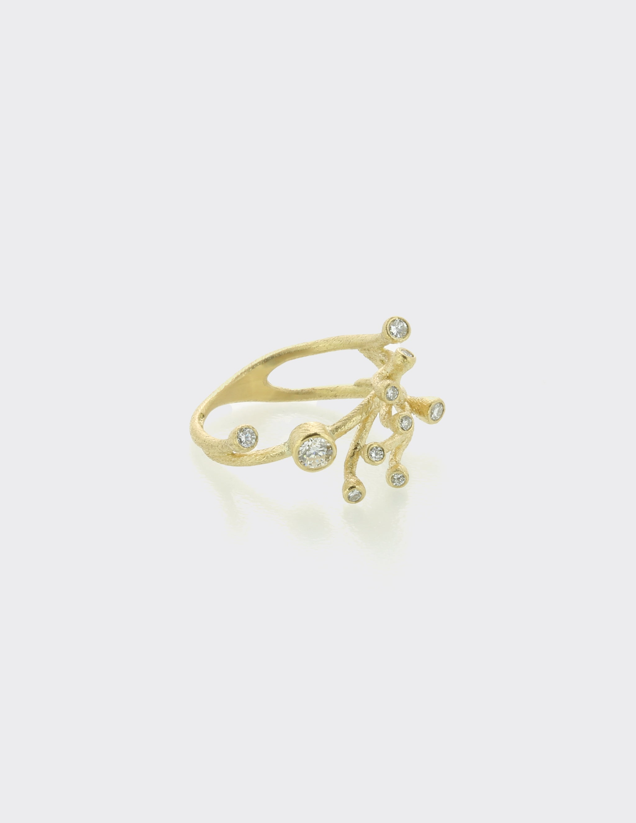 Wave branch ring with diamonds