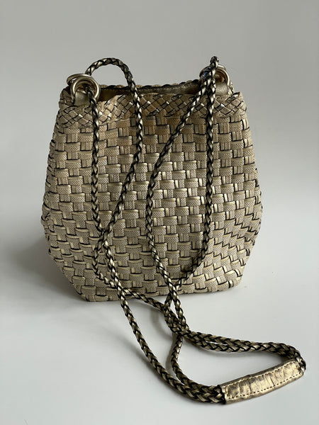 Vintage woven Italian leather bag