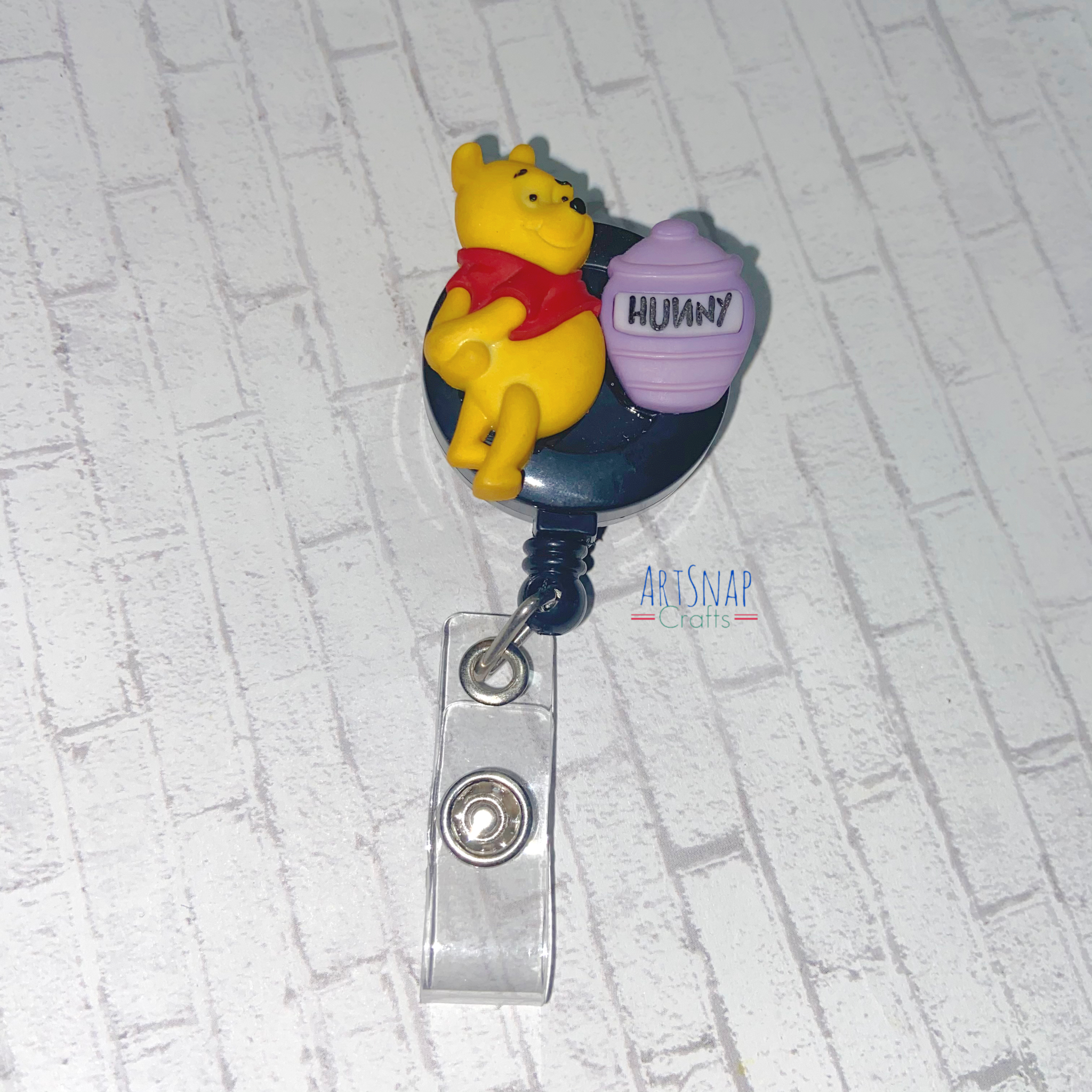 badge reel Winnie the Pooh with mask