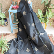 Load image into Gallery viewer, Black Mubarakpur Dupatta