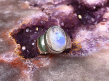 Load image into Gallery viewer, Rainbow moonstone ring size 8