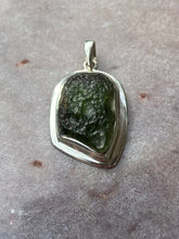 Load image into Gallery viewer, Moldavite pendant 18