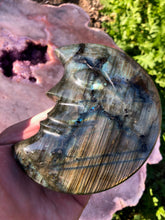 Load image into Gallery viewer, Labradorite crescent moon 2