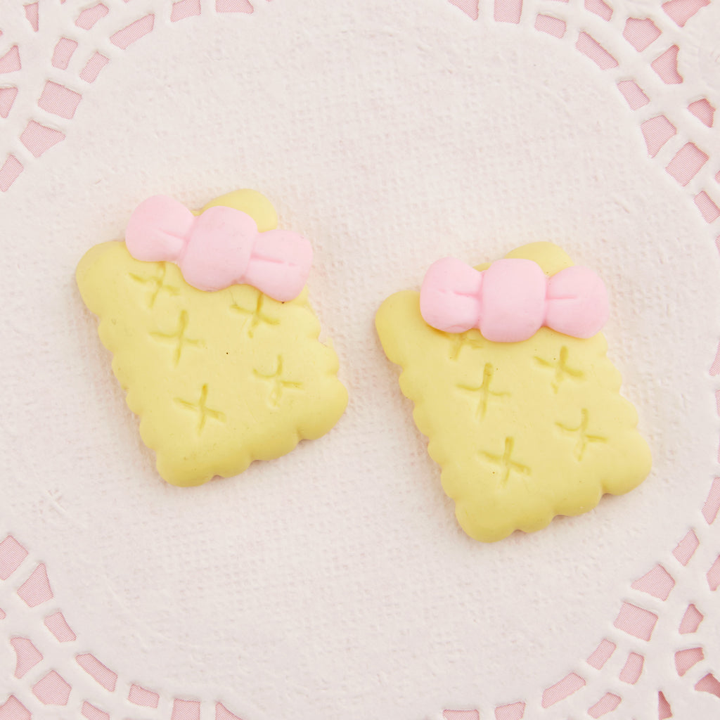 Bow Biscuits