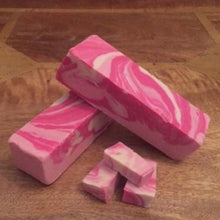 Load image into Gallery viewer, Pink Gin Fudge