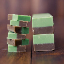 Load image into Gallery viewer, Chocolate & Mint Fudge