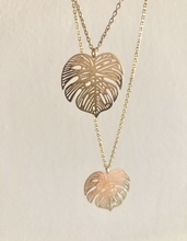 Load image into Gallery viewer, Rosey Palm Necklace