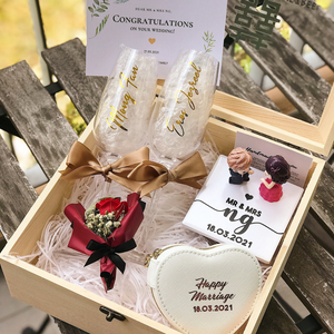 Couple Champagne Glass Box