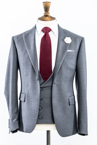 Mens Wedding or Formal Suit for Hire in Belfast, Cookstown, Northern Ireland. Get in contact with Red Groomswear today on