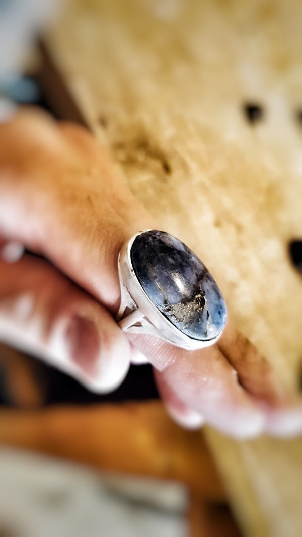 OPHELIA ring with sodalite