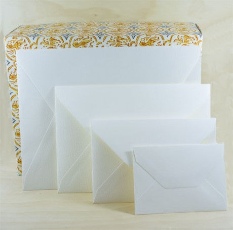 208E ENVELOPES - MEDIOEVALIS CREAM