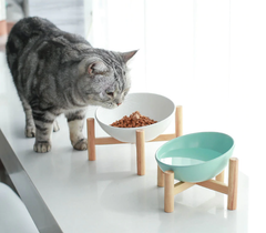 elevated/raised dog bowl/cat bowl is made of 100% porcelain ceramic and bamboo