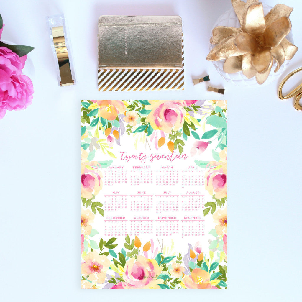 2017 at a glance Calendar in the peach flowers design