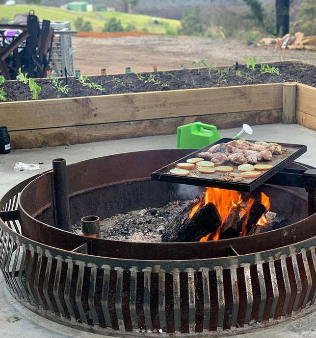 Reasons Why You Need A Custom Outdoor Fire Pit For Your Home