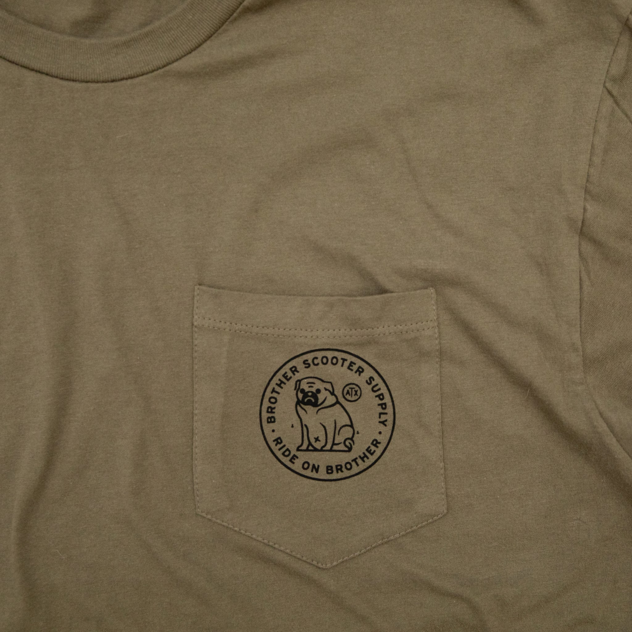 All-Knowing Pug Pocket T-Shirt