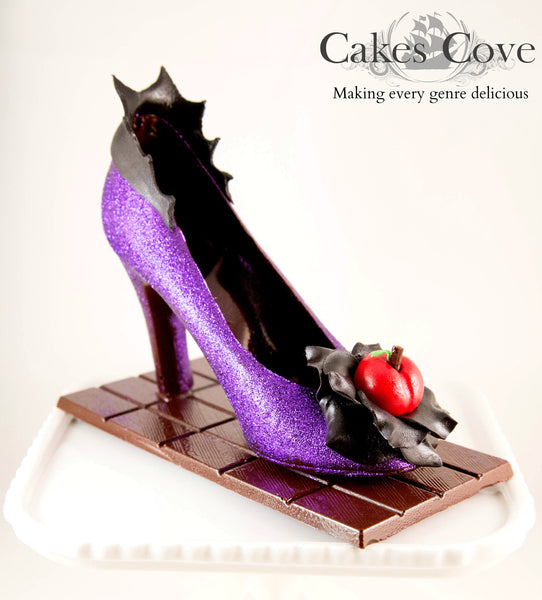 Evil Queen, Custom Order Only, Cakes Cove - Cakes Cove, cakes, treats, cookies, sweets, traditional wedding cakes, occasion cakes, birthday cakes, cupcakes, chocolates, corprate events, events, weddings, parties, special occasions