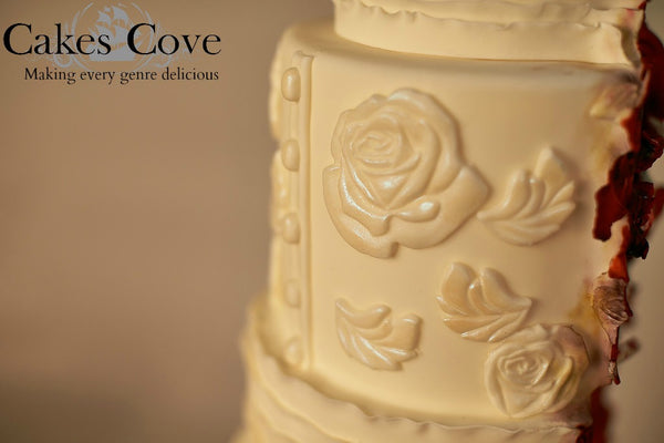 Tainted Love, Custom Order Only, Cakes Cove - Cakes Cove, cakes, treats, cookies, sweets, traditional wedding cakes, occasion cakes, birthday cakes, cupcakes, chocolates, corprate events, events, weddings, parties, special occasions