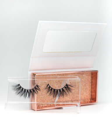 Lottie 16mm Natural Siberian Mink Eyelashes