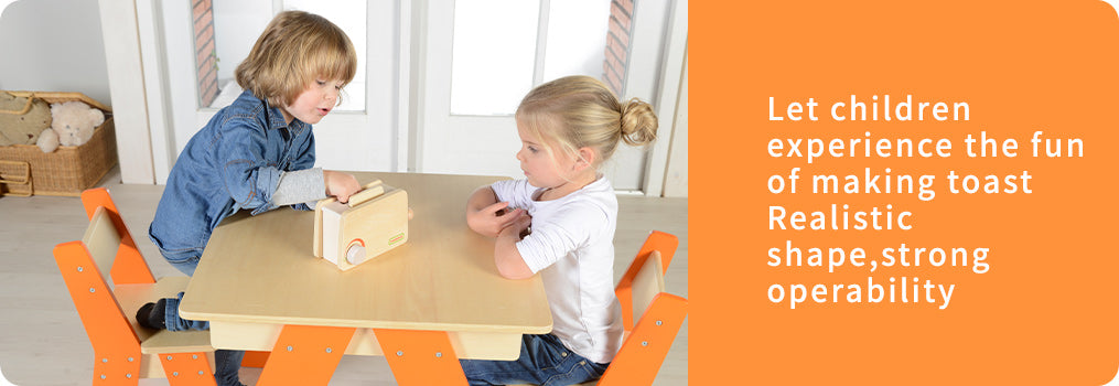 Let children experience the fun of making toast Realistic shape,strong operability