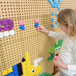 Geometric Shape Pegs (8 Colours) - 256 Piece Set