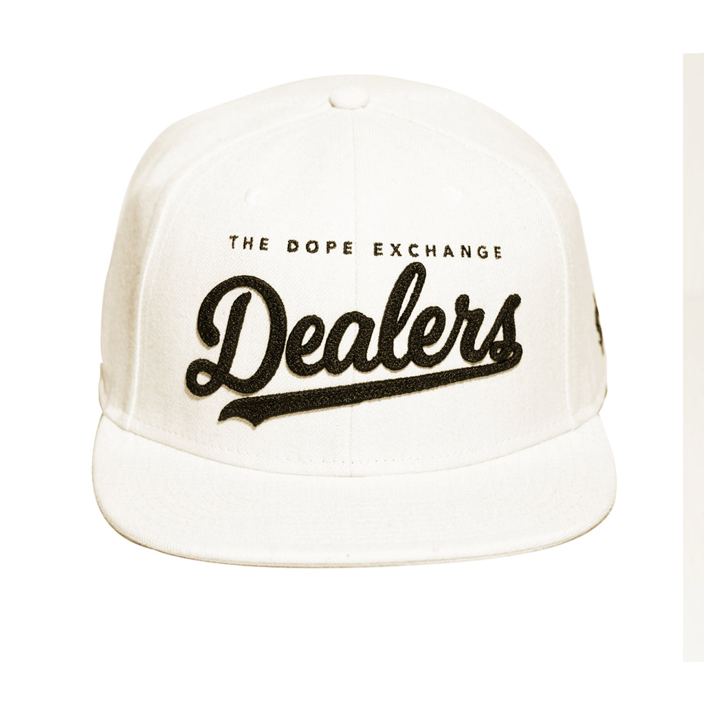 Dealers Classic Snapback Cream