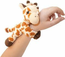 Load image into Gallery viewer, Giraffe Hugger