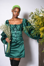 Load image into Gallery viewer, THE DAPHNE DRESS IN EMERALD GREEN